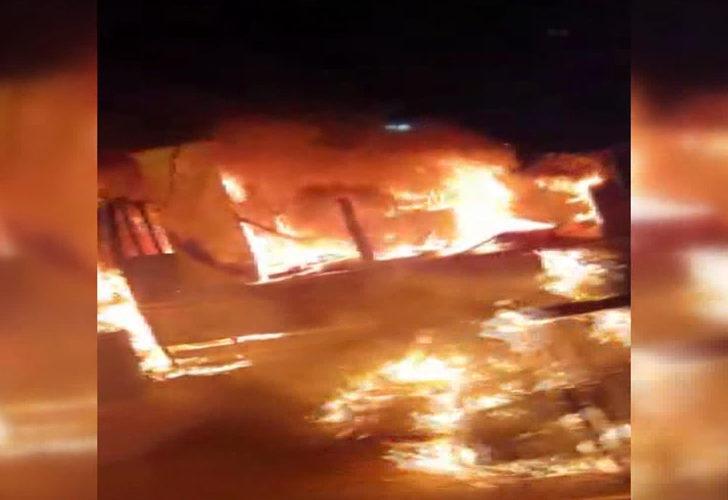 İstanbul'da seyir halindeki kamyonet alev topuna döndü