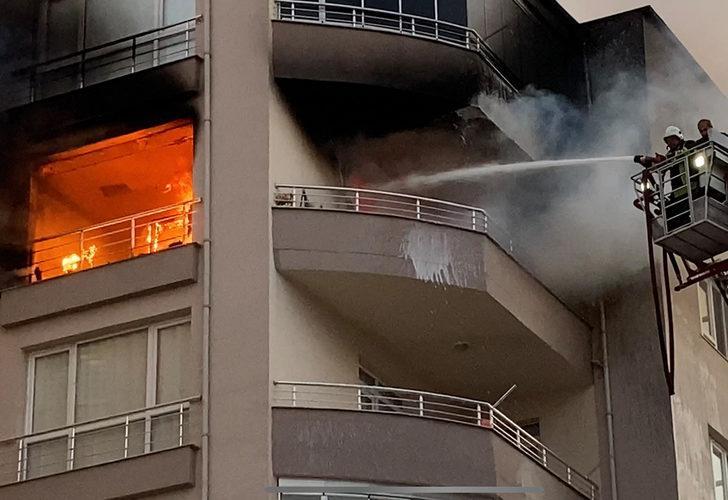 Niğde'deki apartman yangınında dumandan etkilenen 10 kişi hastaneye kaldırıldı