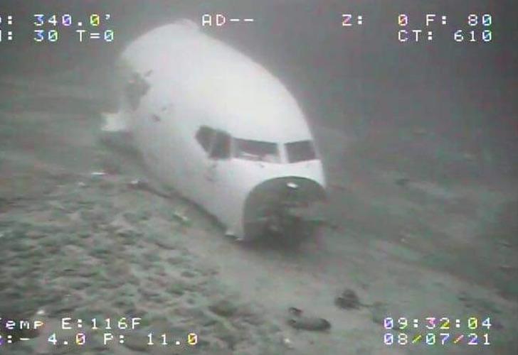 Hawaii açıklarında düşen kargo uçağının su altındaki ilk fotoğrafları yayınlandı