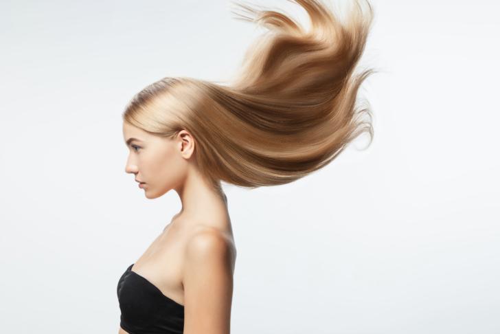 Sıcak havalarda kuruyan saçlarınızı canlandıracak özel saç bakım ürünleri