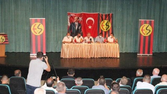 Eskişehirspor'da bir kez daha başkan adayı çıkmadı