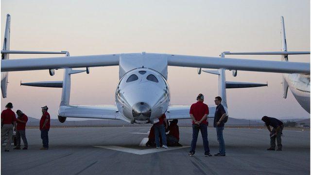 VSS Enterprise 2013'teki ilk uçuşuna hazırlanırken