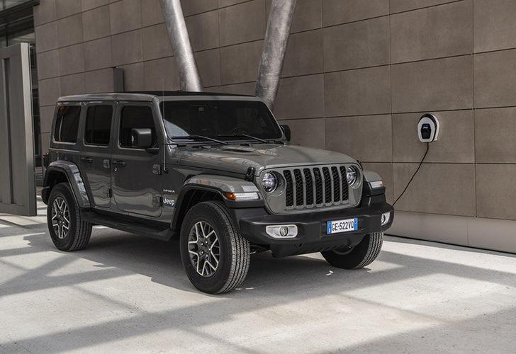 Jeep Wrangler artık elektrikli