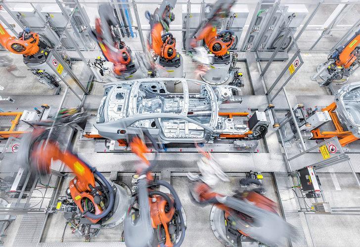Audi CEO'su Duesmann'dan endişe veren çip krizi açıklaması!