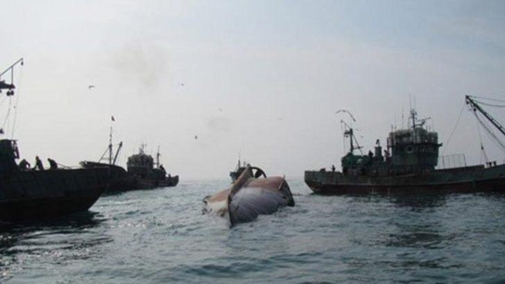 Çin'e ait iki gemi uluslararası sularda çarpıştı!