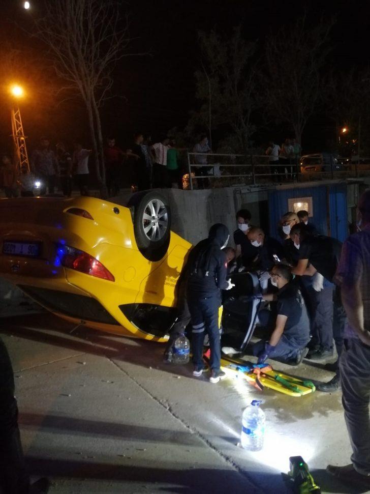 Takla atan taksinin şoförünü polis ve sağlık ekipleri kurtardı