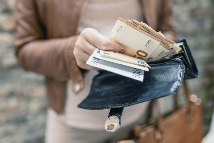 Çalışan annelere 2 bin TL'nin üzerinde destek! Ödemeler Euro ile yapılıyor
