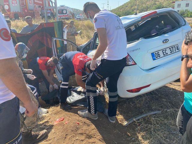 Mardin'de otomobil devrildi: 1 ölü, 2 yaralı