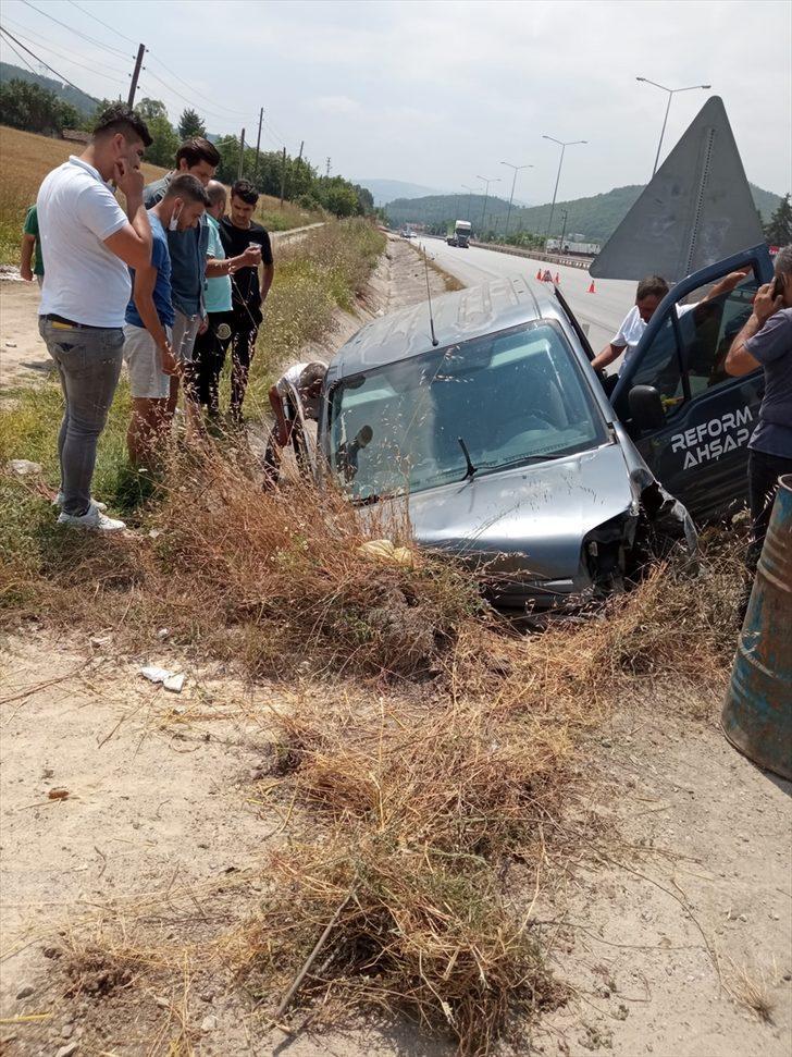 Samsun'da kamyonet su kanalına devrildi: 6 yaralı