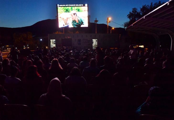Ankara'da açık hava sinema günleri başlıyor! Bayram boyunca nostalji rüzgarı esecek