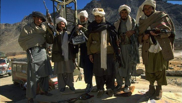 Taliban: Afganistan'da 20 yıl sonra yeniden kontrolü sağlayan örgüt nasıl kuruldu, bugünlere nasıl geldi?