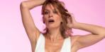 46 yaşındaki oyuncu bikinili pozlarıyla büyüledi