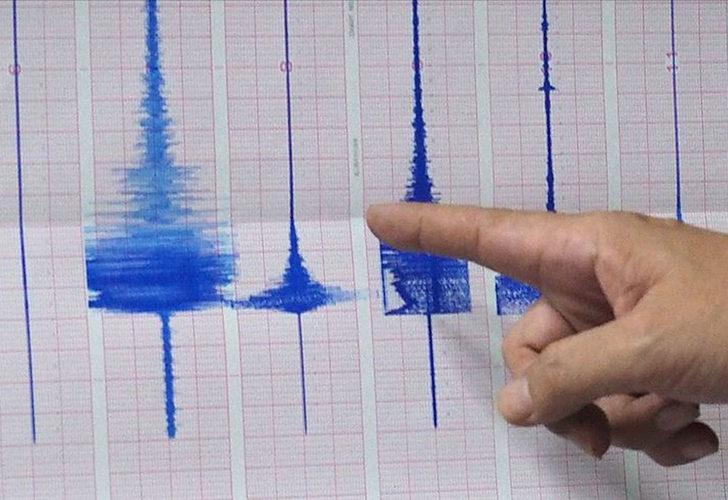 İzmir'in Karaburun ilçesinde peş peşe depremler