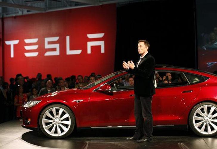 Tesla sürücülerinin başı fareler ile dertte! Arabaları yiyorlar