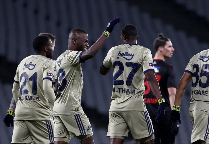 Fenerbahçe'nin kadro dışı bıraktığı Mame Thiam'a Süper Lig'den 3 talip