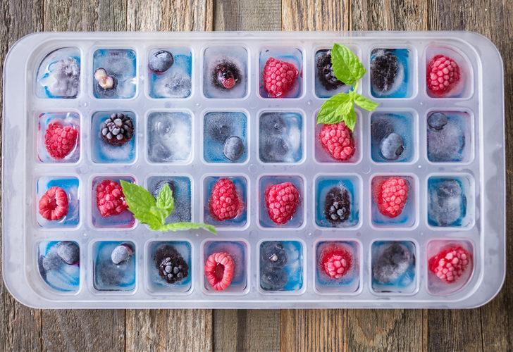 Buz kalıplarının pek bilinmeyen 9 farklı kullanım alanı! Çikolata, tereyağ, salata, cilt bakımı...