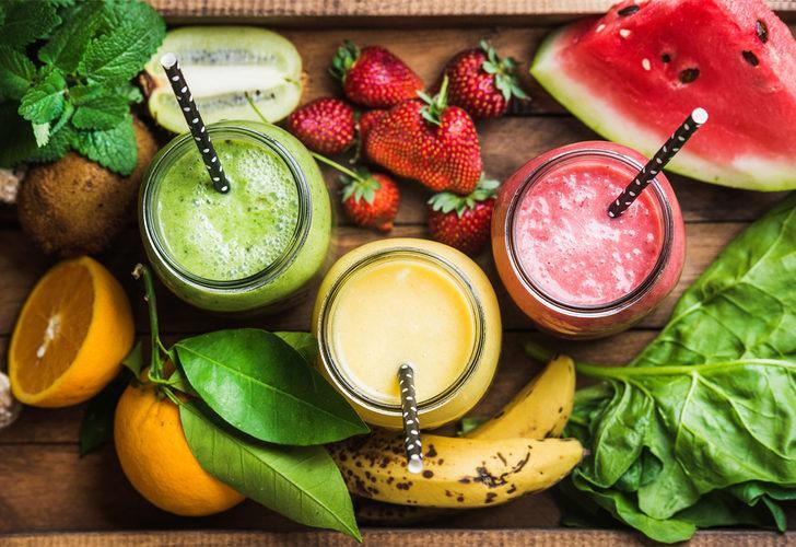 Yaz aylarında sizi anında ferahlatacak birbirinden pratik meyve suyu tarifleri