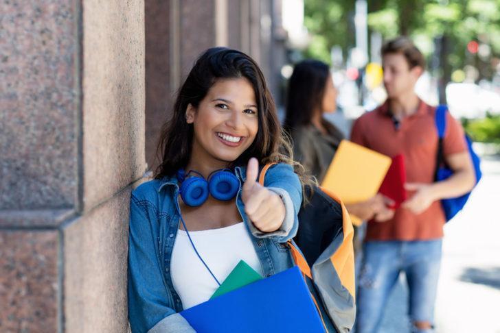 Karşılıksız burs veren kurumlar 2021! Üniversite öğrencilerine burs veren kurumlar!