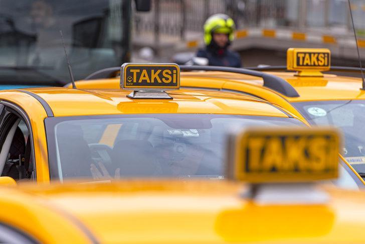 İBB'nin 750 adet minibüs ve 250 adet dolmuş taksinin, taksiye dönüştürülme teklifi kabul edildi