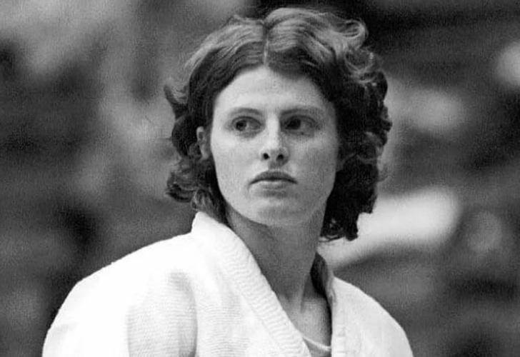 """Sadece erkeklerin katıldığı judo yarışmasını kazanan kadın: Rena """"Rusty"""" Kanogoki"""