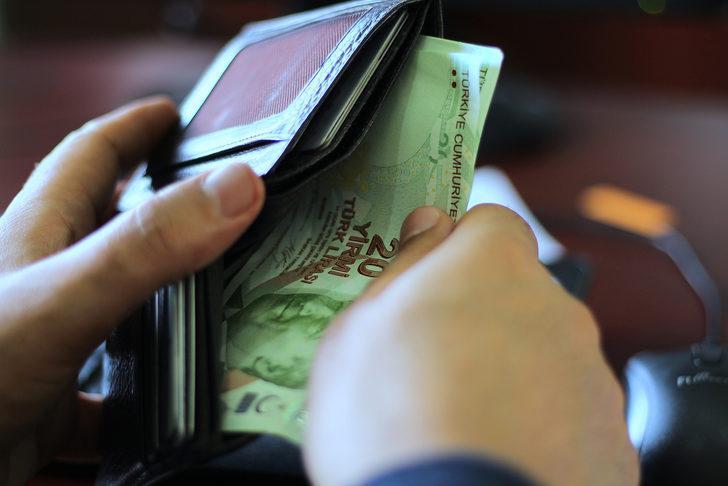 4 kişilik ailenin açlık sınırı 2 bin 903 lira oldu! Bekar bir çalışanın yaşam maliyeti ise aylık 3 bin 546 lira
