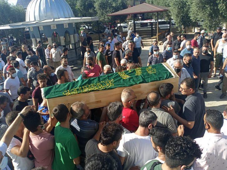 İzmir'de otomobille çarpışan motosikletin sürücüsü 10 günlük yaşam mücadelesini kaybetti