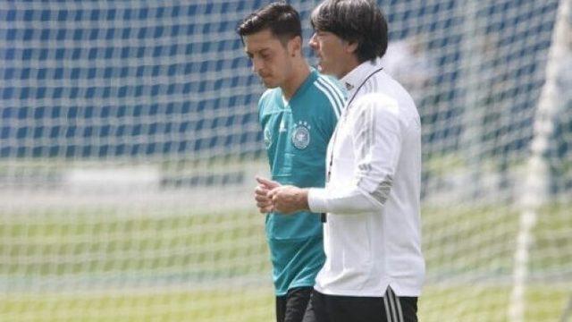 Mesut Özil'den Löw açıklaması