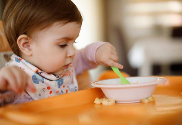 Bebeklerde besin alerjisi belirtileri nasıl anlaşılır? Besin alerjisinin bir nedeni de D vitamini eksikliği