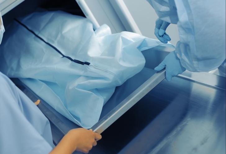Ölülere makyaj yapan morg makyaj sanatçıları tüyler ürpertiyor