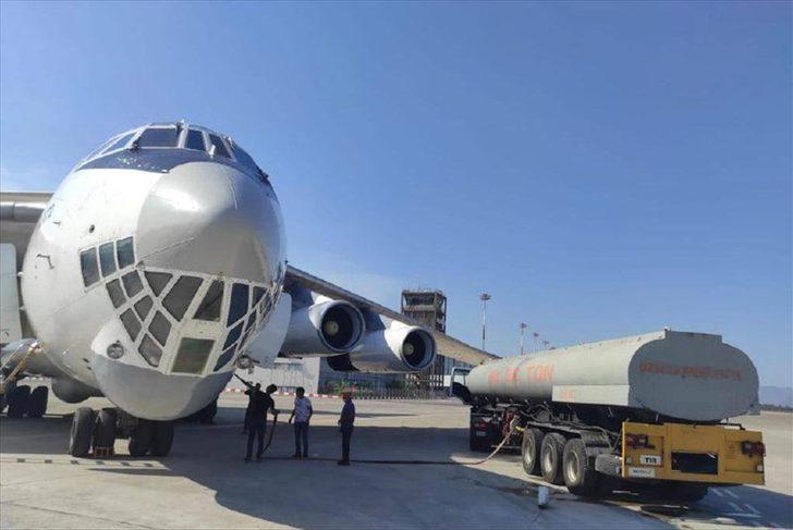 İran'dan gelen yangın söndürme uçağına Aksaz Deniz Üs Komutanlığında su ikmali yapıldı