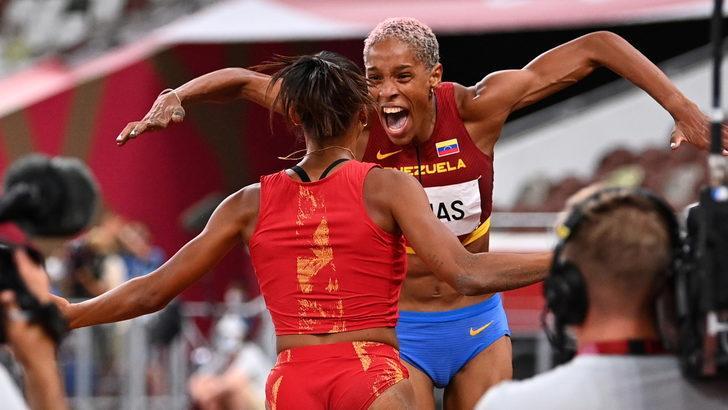 Venezuelalı atlet Rojas dünya rekoru kırdı