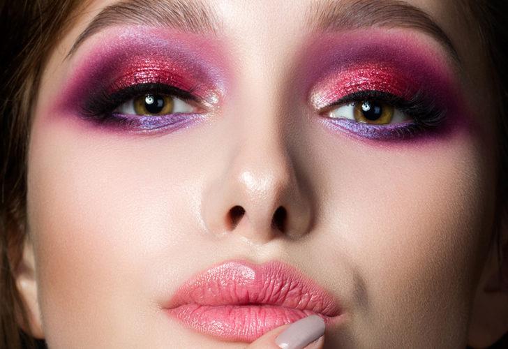 Makyajın usta isminden rengarenk göz makyajı yapmak isteyenlere pratik tüyolar