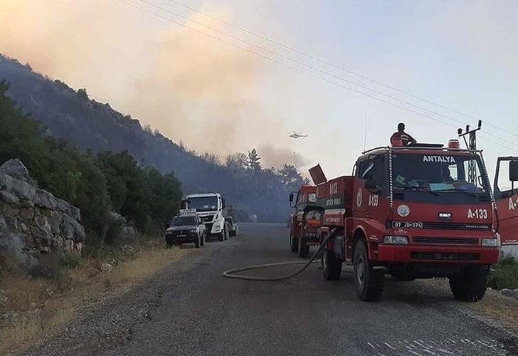 Son Dakika: Bakan Çavuşoğlu orman yangınlarındaki son durumu açıkladı: Rüzgar yine kuvvetli