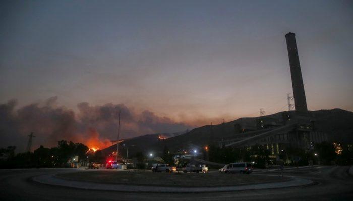 Milas'ta Yangın Termik Santrala Ulaştı thumbnail
