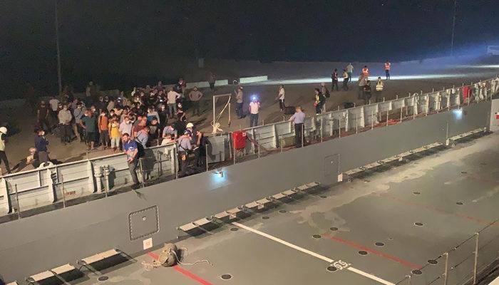 Milas'ta vatandaşlar çıkarma gemileriyle tahliye ediliyor thumbnail