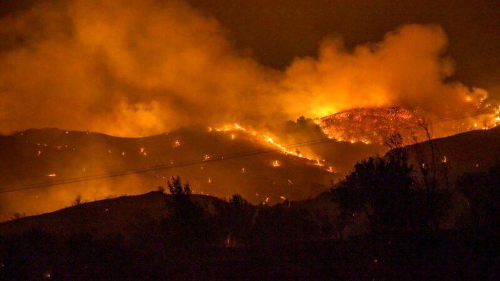 Yunanistan'da Yangınlar Nedeniyle Eğriboz Adası Boşaltıldı
