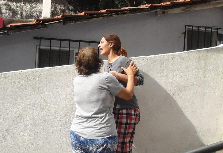 İstanbul ilginç olay! Yufka açan kadın çatıdan düştü, kızı sinir krizi geçirdi