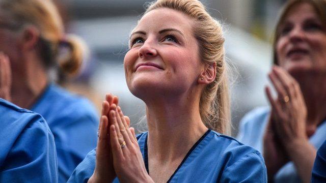 Sağlık çalışanı