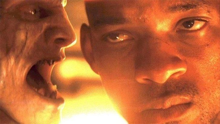I Am Legend filminin senaristi, filmin aşı karşıtı kampanyalarda kullanılmasına tepki gösterdi: 'Ben bu senaryoy uydurdum, gerçek değil'