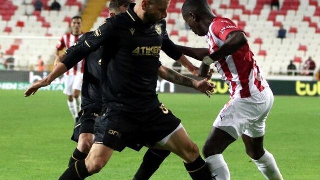 Konyaspor, Sivasspor'un ünvanını söktü