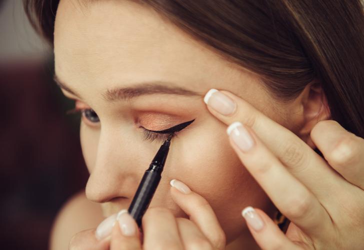 Artık kolay! Sadece birkaç dakikada kusursuz bir şekilde eyeliner çekebilirsiniz