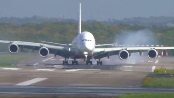 A380 facianın eşiğinden döndü