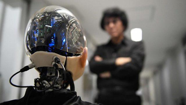 Robot mühendisi Hiroshi Ishiguro, Ibuki adını verdiği 10 yaşlarında bir çocuk android yarattı