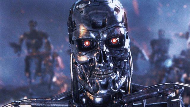 Batı'nın robot korkusunun en net görüldüğü yapımların başlangıcında Terminatör geliyor