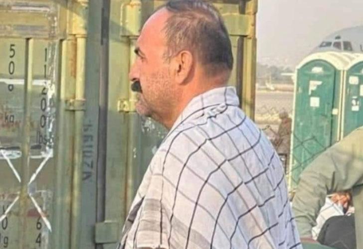 Afgan komutanın görüntüsü olay oldu! Tahliye sırasına girdi, kuyrukta bekliyor