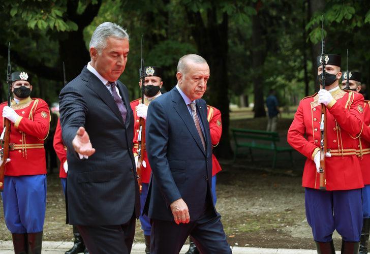 Cumhurbaşkanı Erdoğan'a Karadağ'da resmi karşılama töreni