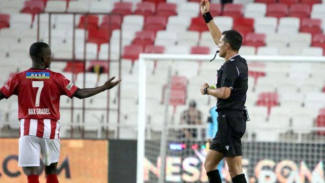 Sivasspor'da Kayode Fenerbahçe maçında yok