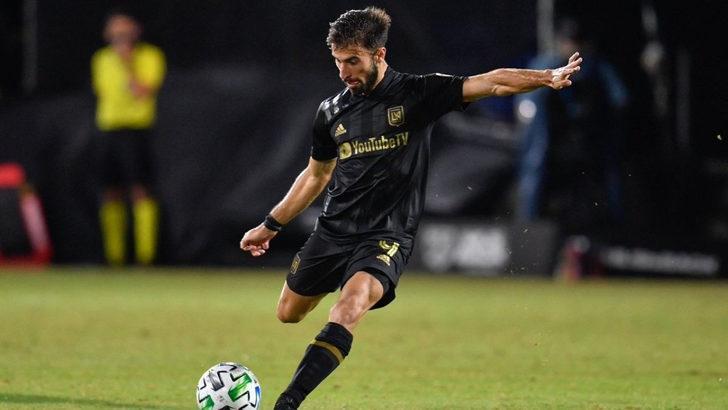 Fenerbahçe, Diego Rossi'yi açıkladı