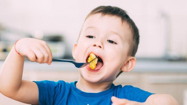 Çocuklar 4 temel besin grubunu mutlaka tüketsin!