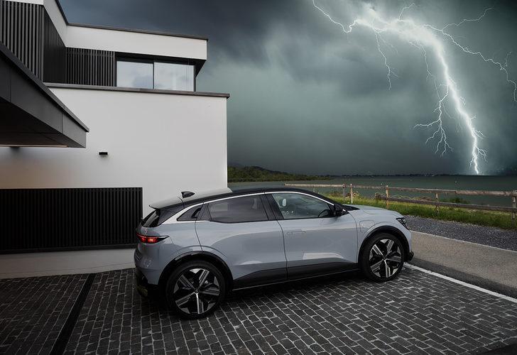 """Renault'dan """"elektrikli"""" hamle: Yeni Megane E-Tech Electric görücüye çıktı!"""